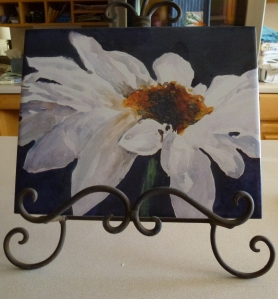hunter_tile Daisy on stand